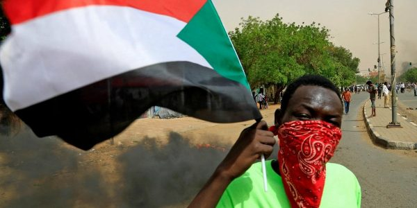 Sudanese protesters demand government's resignation (Pictures)