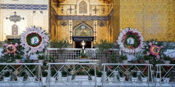Preparations continue in the shrine of Imam Ali (AS), Holy city of Najaf, to celebrate Eid al-Ghadir (Photos)